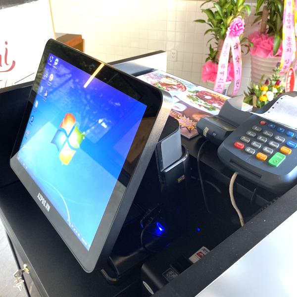 Máy tính tiền cảm ứng pos cafe tại cần thơ